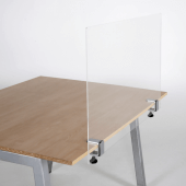 The table clamps support the screen with no extra fixings required