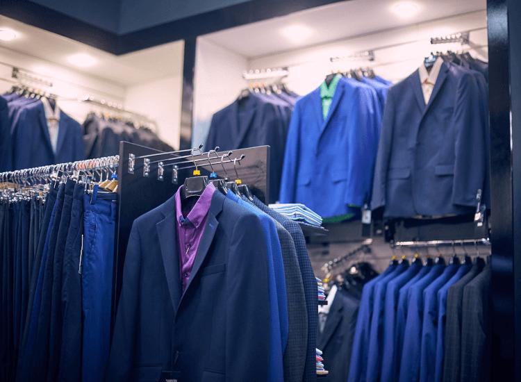 slatwall-clothing-display