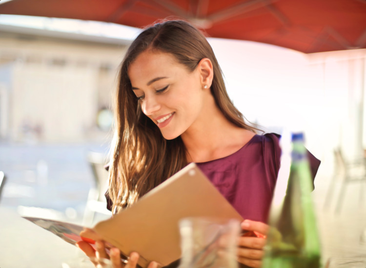 Highlight special features about your restaurant exterior