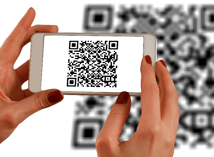 qr codes in retail can be part of a black friday marketing strategy