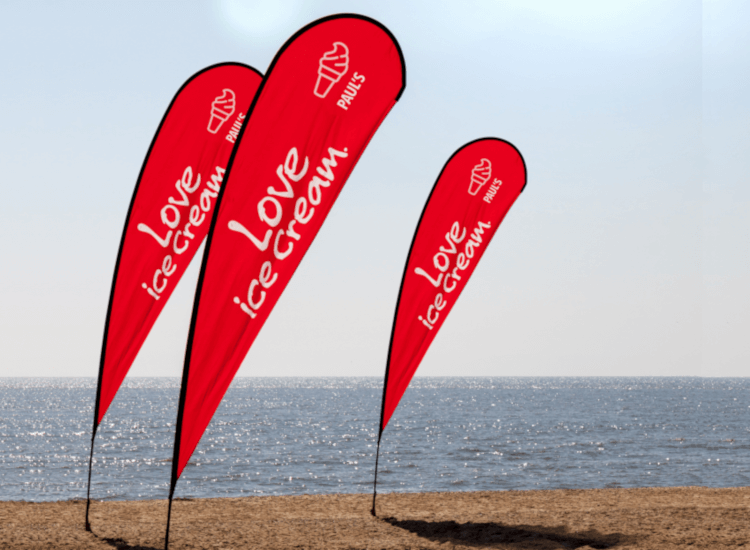 Outdoor advertising event flags get your business noticed